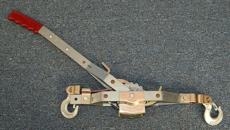 Maasdam Pow'R-Pull Model 144S-6 1 Ton Capacity R11585
