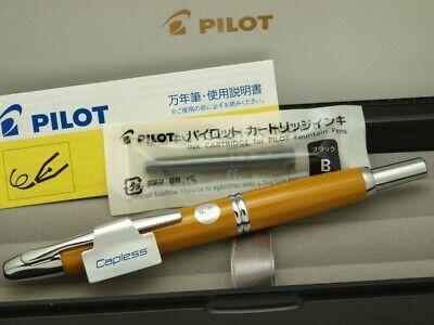 "Pilot Capless VANISHING POINT/"" Black Medium-steel nib With Converter CON-40"