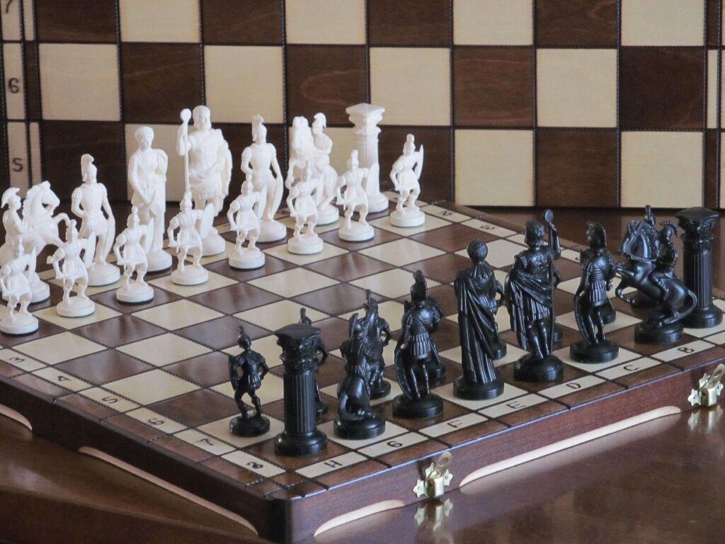 Brand New ♚ Roman Design Design Design Chess Set♞ Great Board 7a93bb