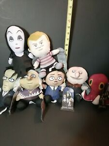 New-The-Addams-Family-Complete-Set-of-7-Licensed-Plush-Stuffed-Toys