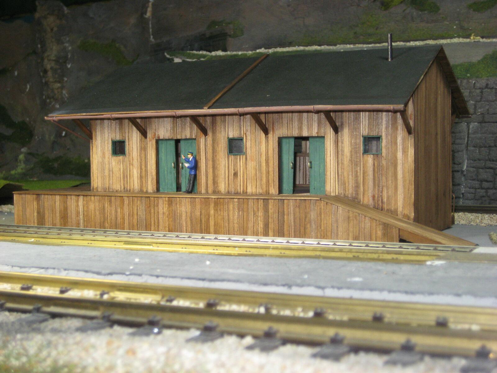 44990 G - Güterabfertigung   Lagerhalle green im Maßstab 1 43 (Spur 0)