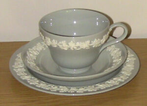 GREY-WEDGWOOD-EMBOSSED-QUEENSWARE-CUP-SAUCER-amp-PLATE-soft-grey-rare-colour