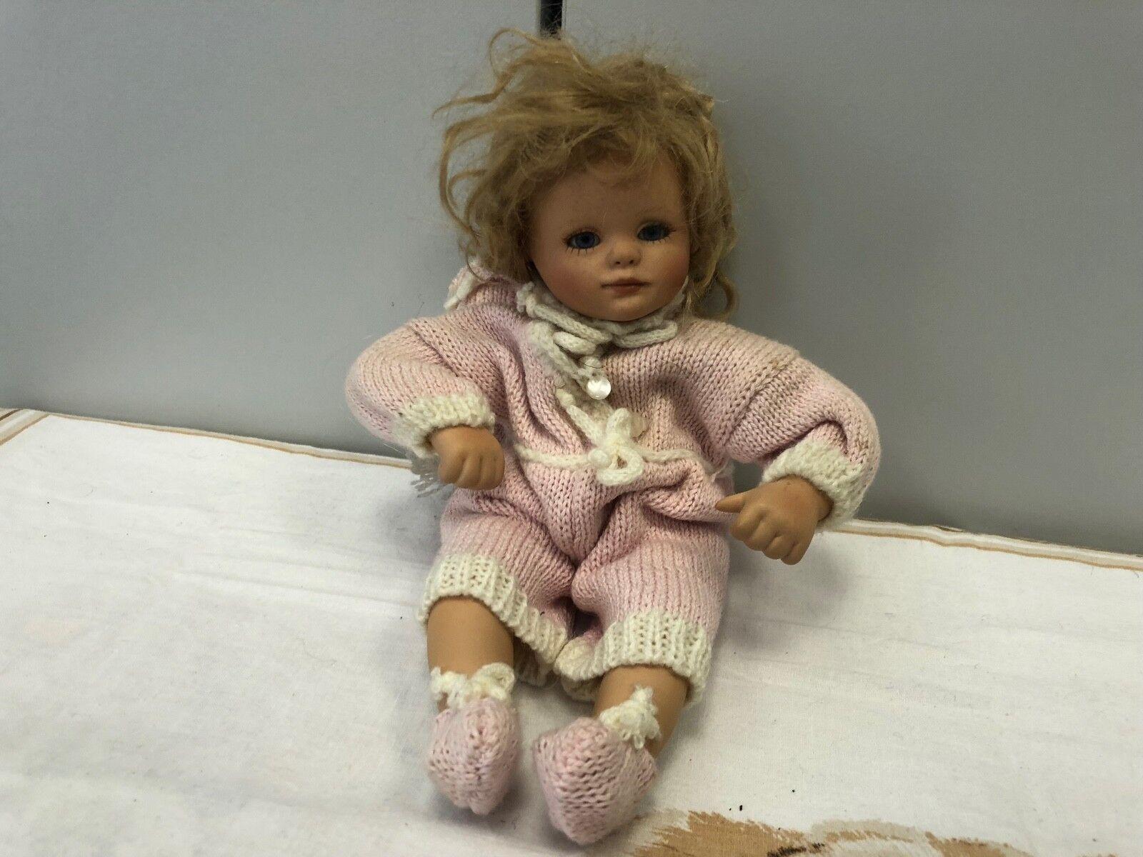 Gabriele Müller bambola di porcellana  23 cm. BUONO stato  si affrettò a vedere