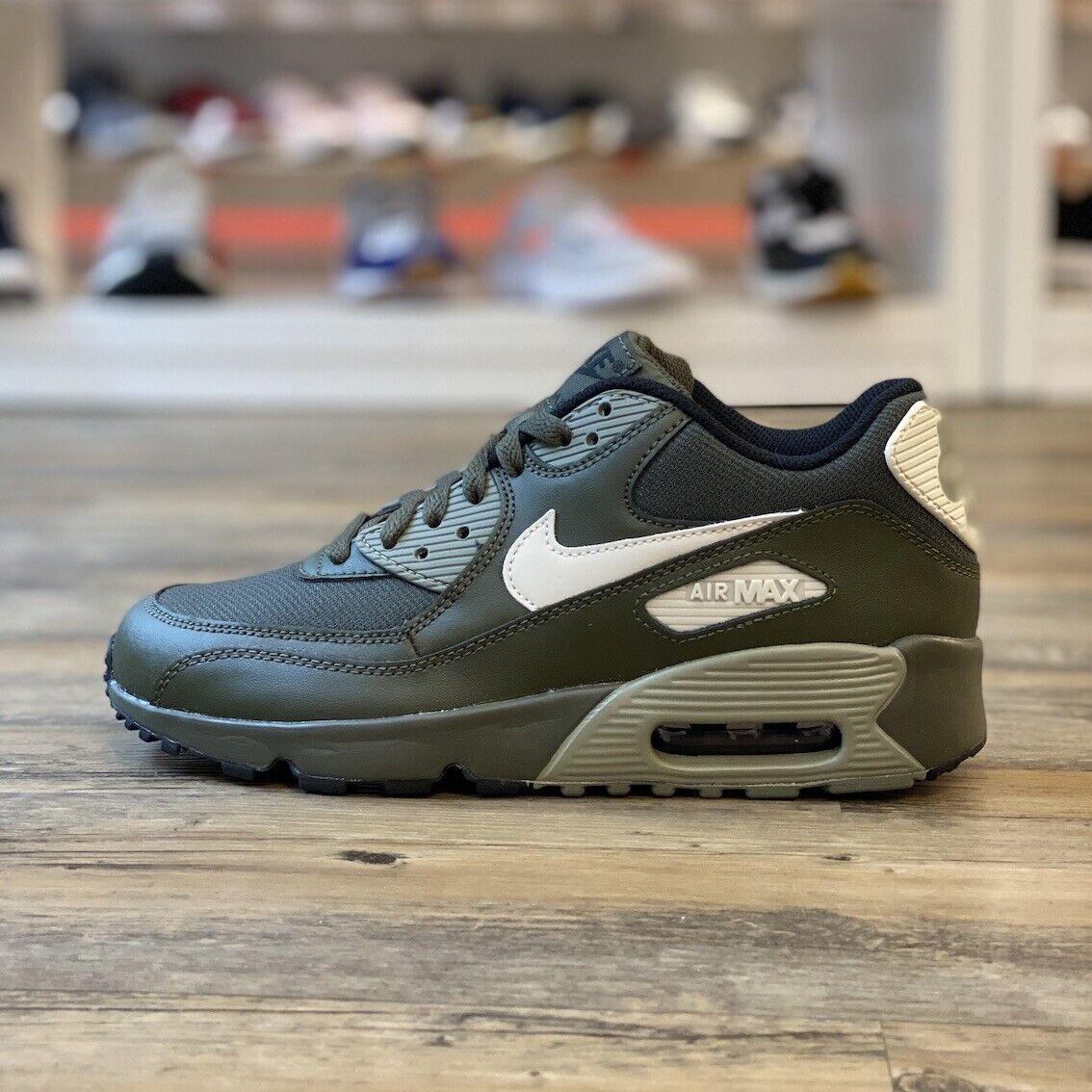 Nike Air Max 90 Gr.38,5 Chaussures Baskets Vert 833418 302