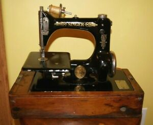 Rare Vintage 1921 Singer Sewing Machine Model 24-62 in Bentwood Case with Key