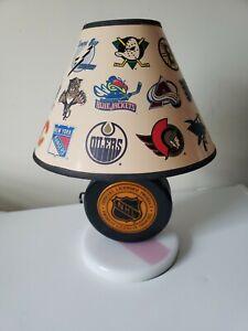 Vintage-NHL-Hockey-Puck-Lamp-Light-Lighted-Base-Nightlight-Shade-Team-Logos