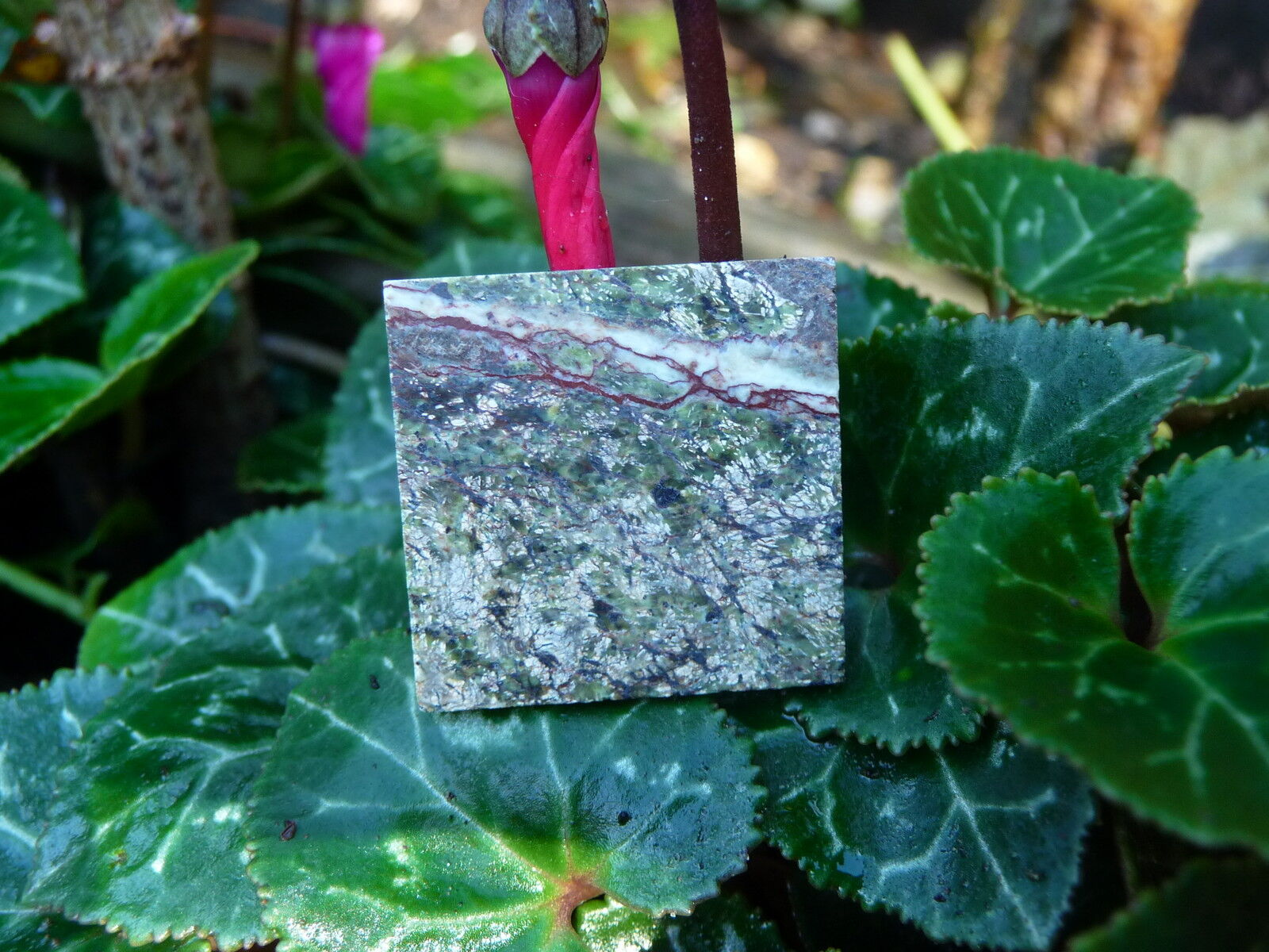 25 Real Luxury Emerald Forest Grün Marble Dolls House Floor Tiles (2mm Tiles)