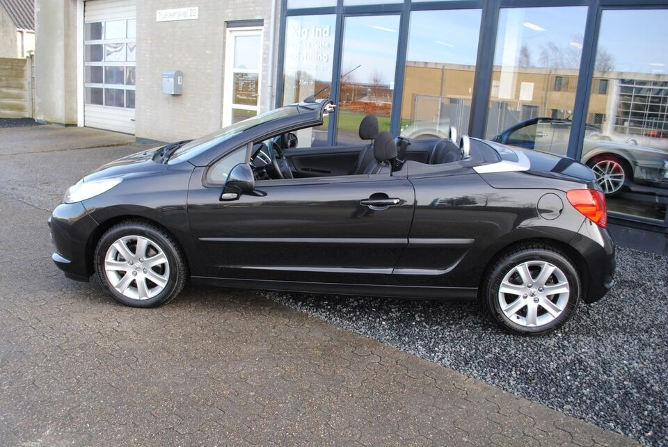 Peugeot 207 1,6 CC Benzin modelår 2007 km 42000 Sortmetal