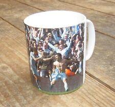 Man City Champions 2012 Sergio Aguero Feiert Wunder-tor BECHER