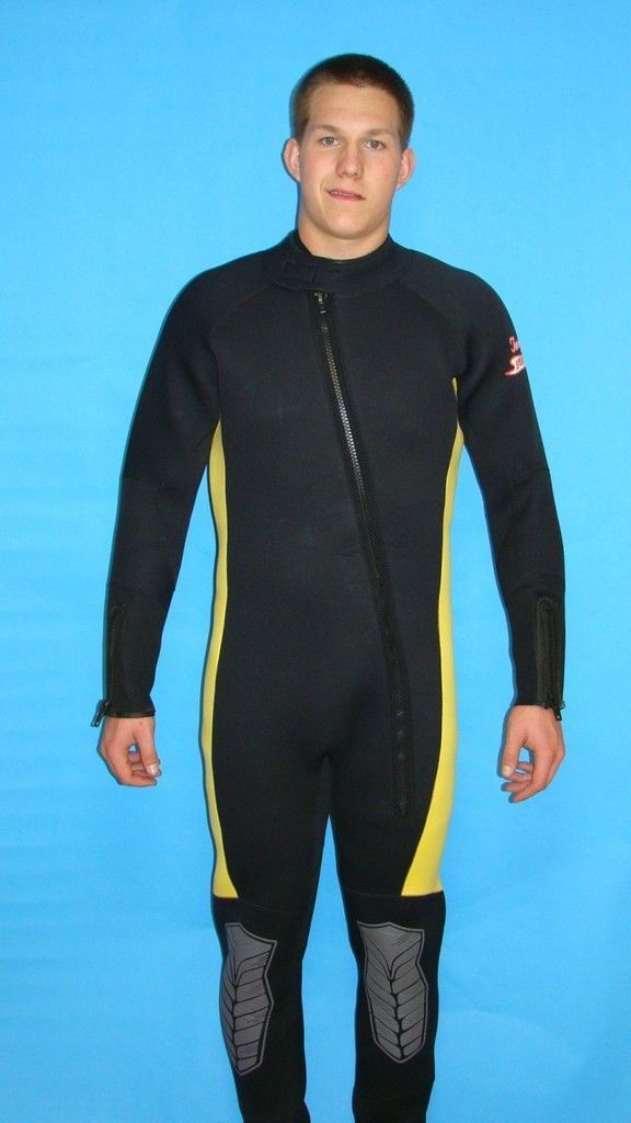 Wetsuit 7MM 4X New Mens Full Scuba Gear 50   perfect