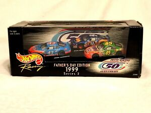 Hot-Wheels-Racing-Target-Special-Petty-Racing-50th-Anniversay-Father-039-s-Day