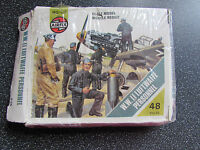1975 Airfix Wwii Luftwaffe Personnel 48 Pieces Ho/oo Unused But Damaged Box
