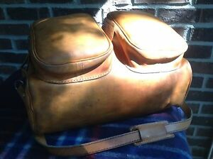 VINTAGE-1970-039-s-BRITISH-TAN-RUGGED-BASEBALL-GLOVE-LEATHER-DUFFLE-GYM-BAG-R-898