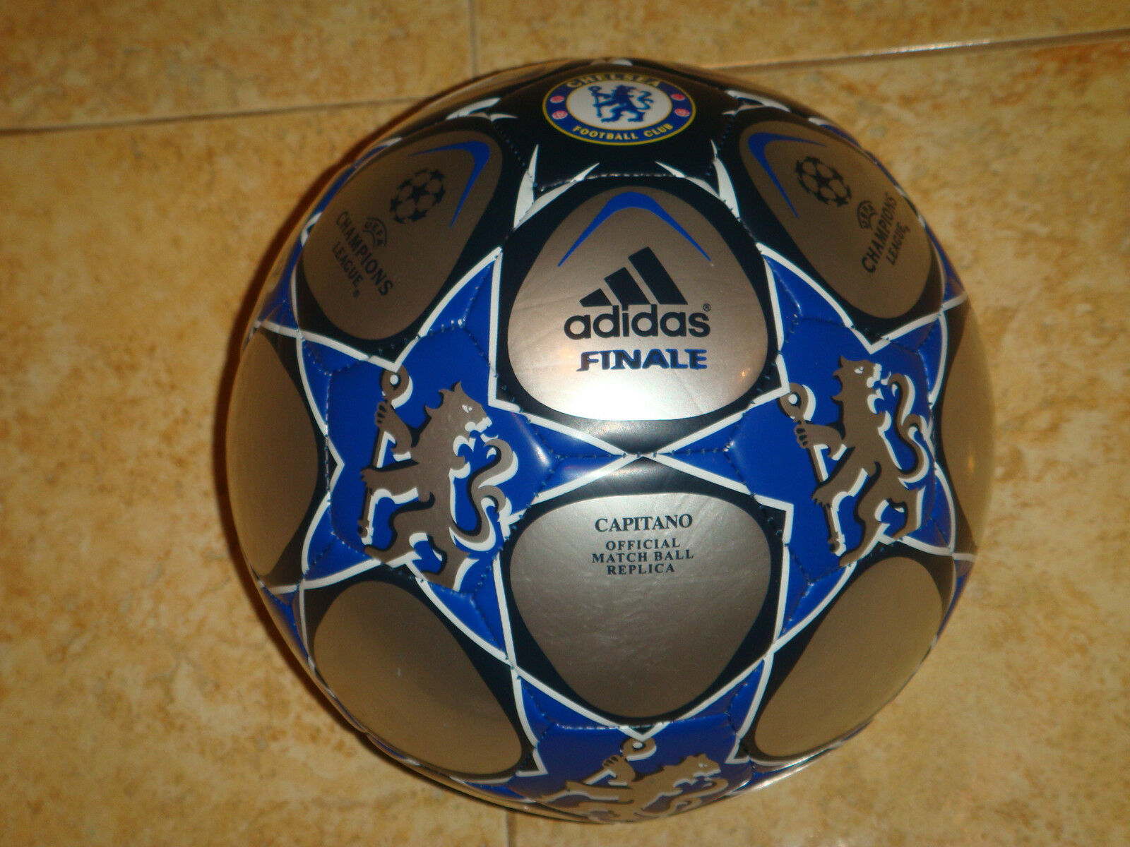 32b09e65f6a ... Chelsea Adidas Capitano Soccer Ball Champions League Football Bola Bola  Bola Palla Ballon 1af103