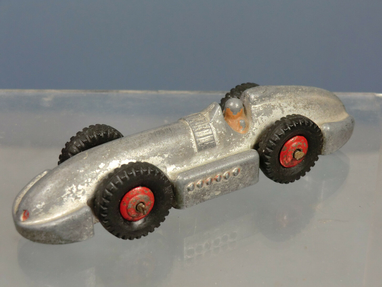 VINTAGE DINKY TOYS MODEL  No.23e 'SPEED OF THE WIND'  RACING CAR
