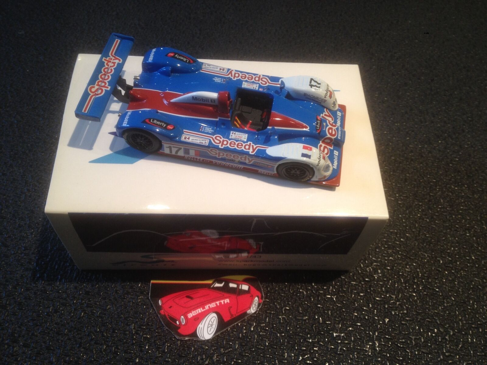 SPARK SCCG08 COURAGE C60 LE MANS 2000 1 43 IN METAL BOX WITH CARD SLEEVE