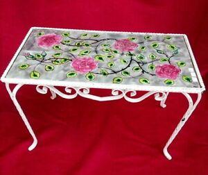 Jolie table basse en fer avec carreaux à décor de roses p5KoosR2-07192309-822983942