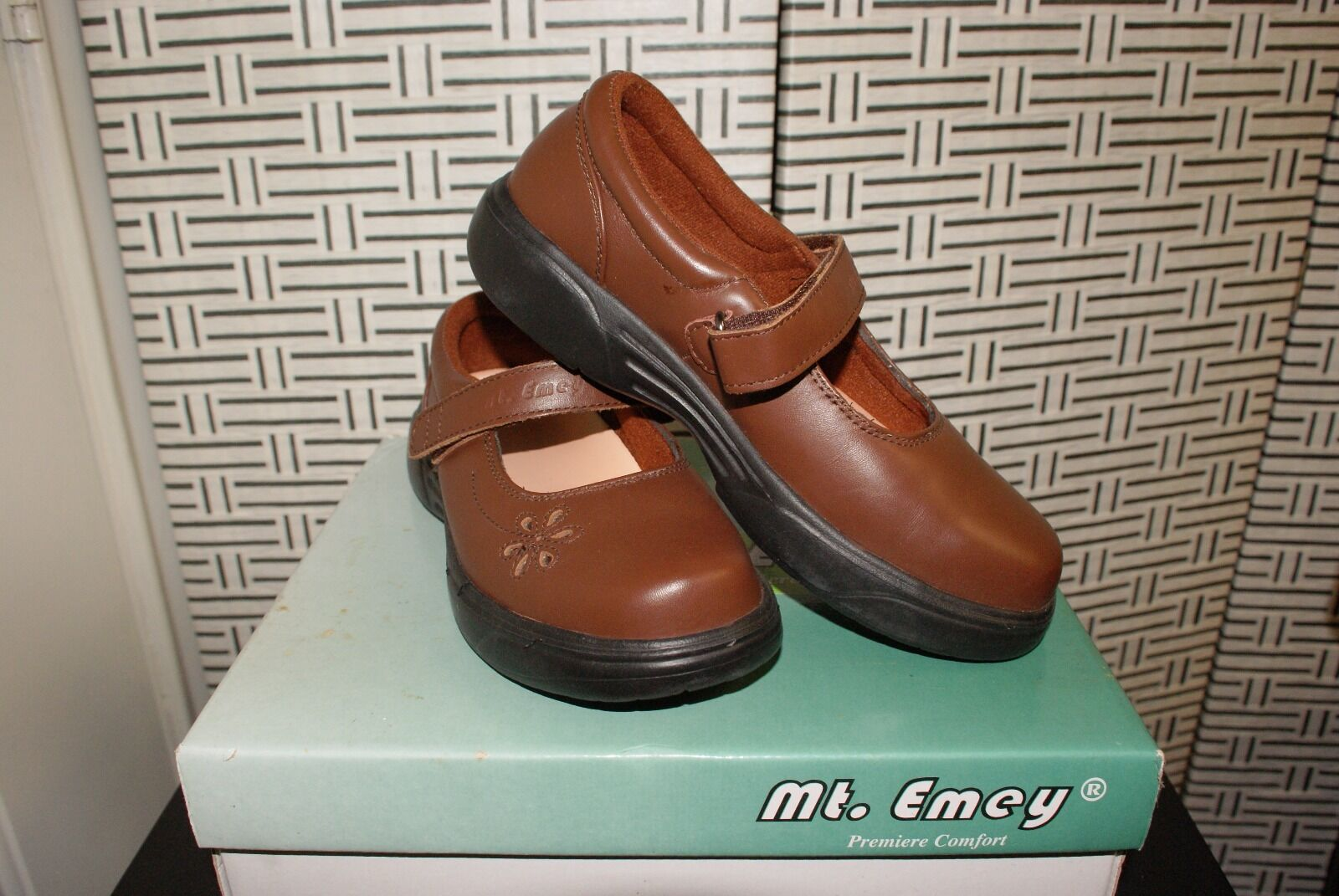 Mt. Mt. Mt. Emey Brown Comfort (Orthotic Extreme-light Mary Jane) shoes Size 7D e46a4e