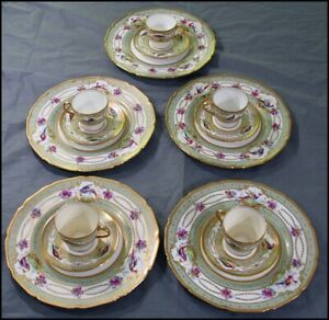 Royal-Doulton-15-Pc-Tea-Set-Demitasse-Cup-Saucer-Plate-Exotic-Birds-Gold-Beads