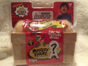 Cap/'n Ryan/'s Dig n Discover Treasure Uncover the Mystery Figure Ryan/'s World