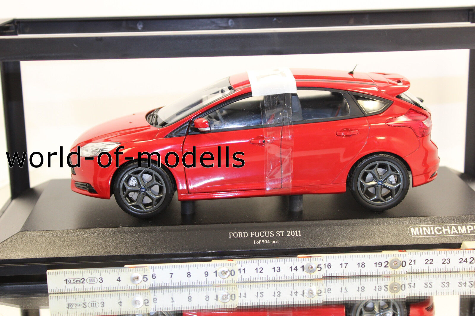 Minichamps 110082002 Ford Focus ST 2011 rot metallic 1 18 NEU in OVP  | Erste Qualität