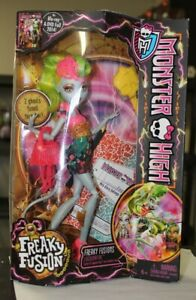 Monster-High-Freaky-Fusions-Lagoonafire-Doll-BJR37-2013-New