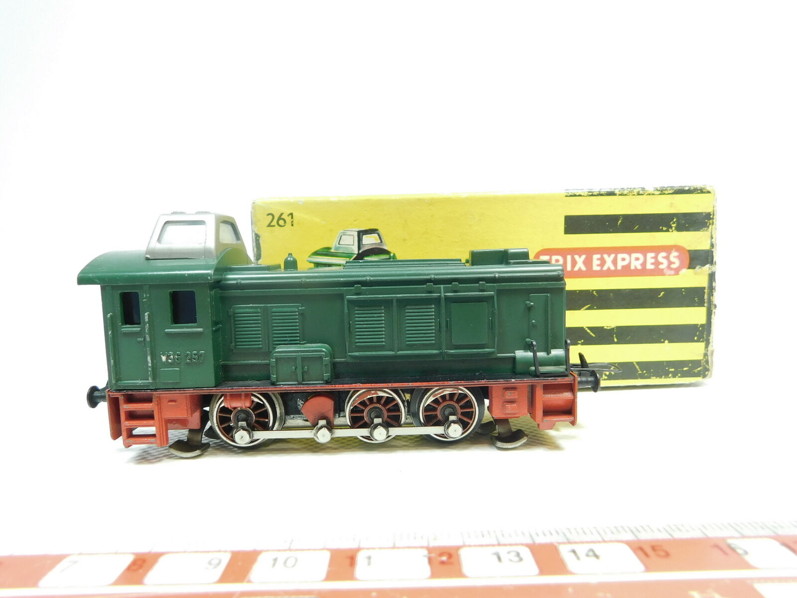 Bg465 -0,5 Trix Express H0  DC 261 Diesellokomotiv  Diesel Locomotive V36 257