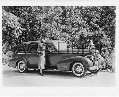 1936 Cadillac Series 90 Fleetwood V16 convertible Factory Photo Ref. # 29962