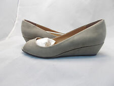 CL BY LAUNDRY HOTTEST TAUPE WEDGE WOMEN'S US SHOE SIZE 9.5 M PEEP TOE PUMPS