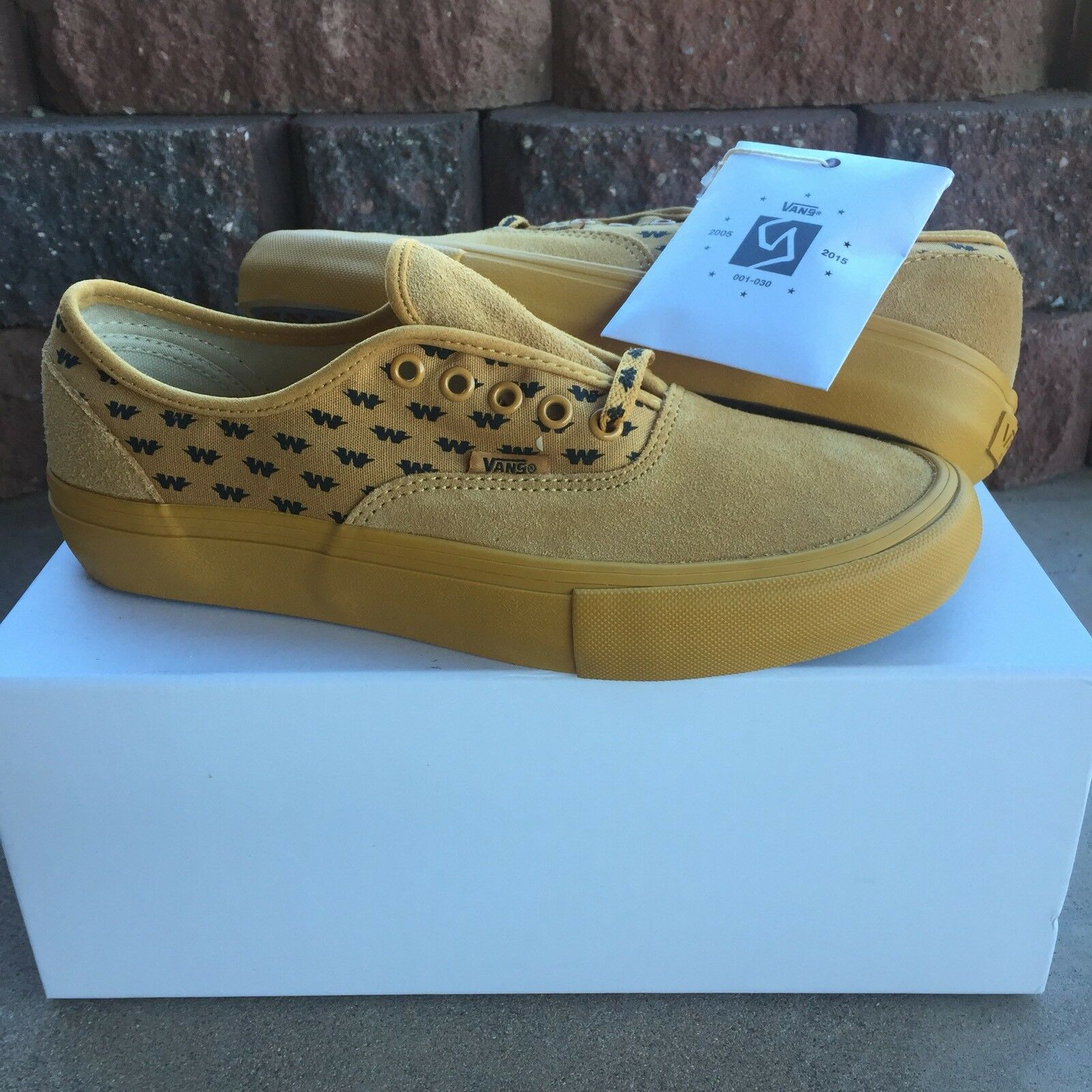 VANS Syndicate X WTAPS Authentic Wings NEW Size 9 Vault Supreme