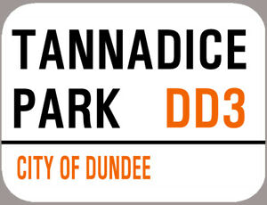 TANNADICE METAL FOOTBALL ST SIGNE format A4 bords arrondis DUNDEE 4 trous