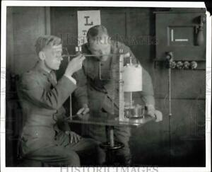 1968 Press Photo Pilot gets eyes tested after exposure to hypoxia. - sam08426