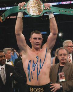 Vitali-Klitschko-Boxing-WBC-Heavyweight-Champion-SIGNED-8x10-Photo-COA