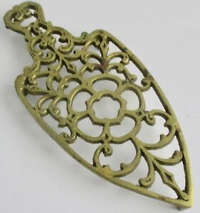 Vintage-Brass-Trivet-Sad-Iron-Rest-Ornate-Footed