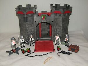 Castle-Playmobil-with-Figures-and-Wolf