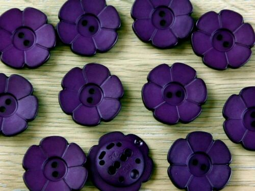 Dill Flower Shape 2 Hole Plastic Buttons DILL - 289097-m