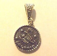 pendentif argenté médaille argentée zodiaque scorpion diamètre 20 mm
