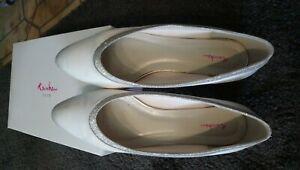 finest selection a3d88 ba64a Details zu Rainbow Ballerina Hochzeit Braut flache Schuhe Ivory Satin Gr. 40