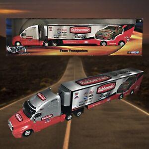 Hot-Wheels-2000-NASCAR-Kurt-Busch-97-Rubbermaid-Racing-Team-Transport-NIB
