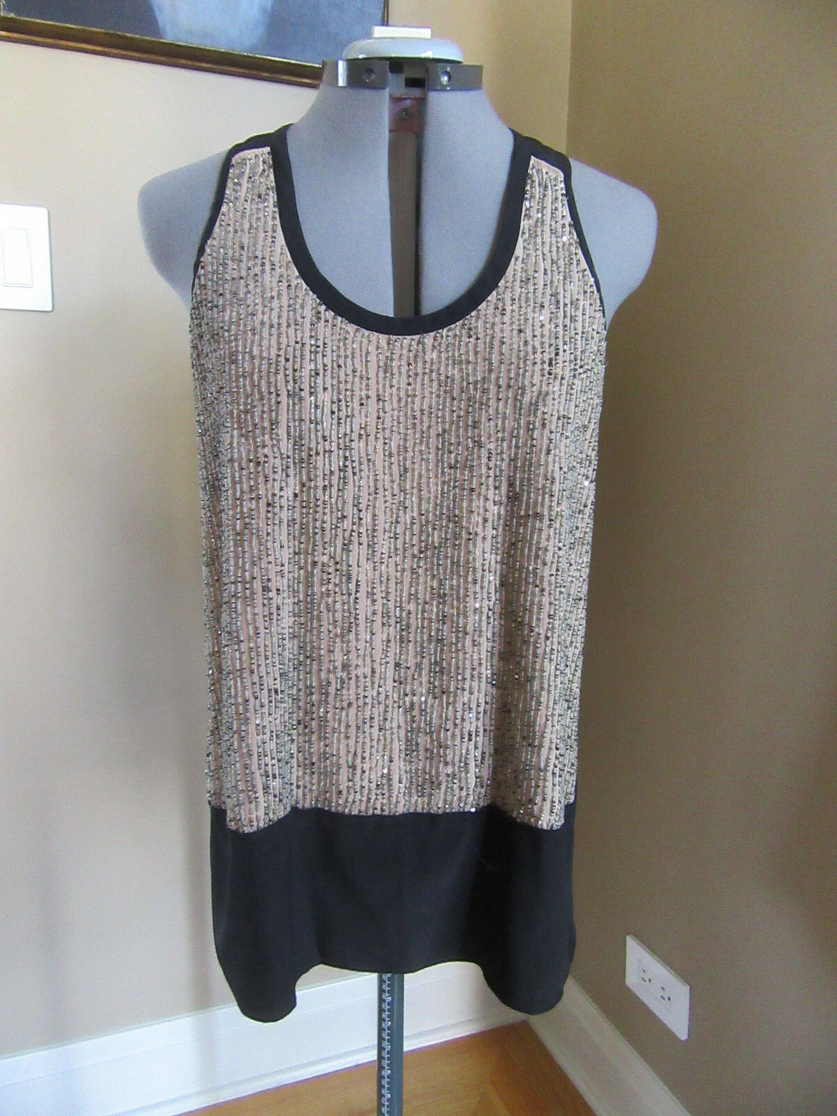 NWT Eileen Fisher Silk Sequin Rivulet Tank Tan and schwarz Größe Small
