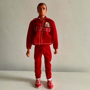 The-Six-Million-Dollar-Man-Replacement-New-Red-tracksuit-for-13-Vintage-figure