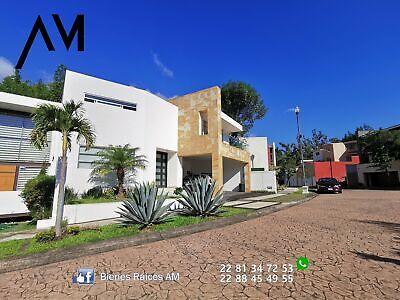 DENTRO DE EL FRACC CUMBRES PRIVADO vendo casa con jardin area de juegos 3 recamaras