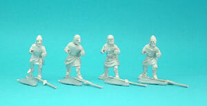 28mm-Curteys-12-x-Medieval-Crusader-spearmen-02-lion-Rampant-Saga-unpainted