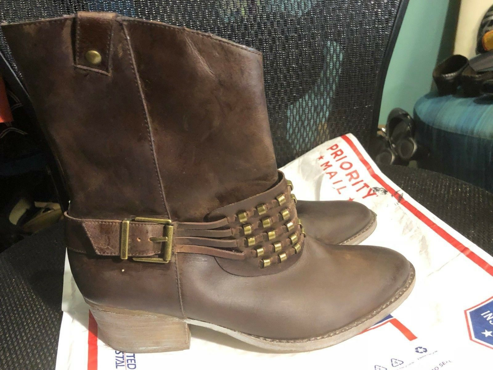 Boots, REBA, ankle, brown leather, with accents, 2    block heel, 7 1 2M 00d04c