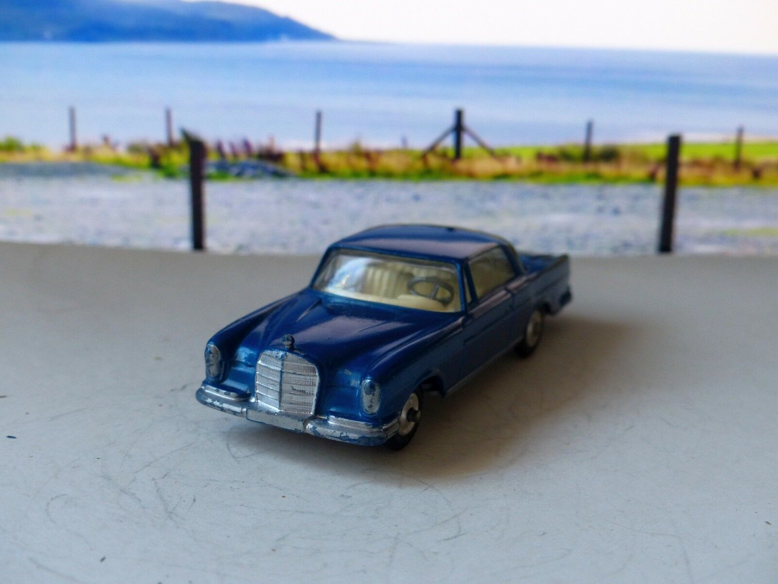 Corgi Toys 253 Mercedes 220SE Coupe with original box