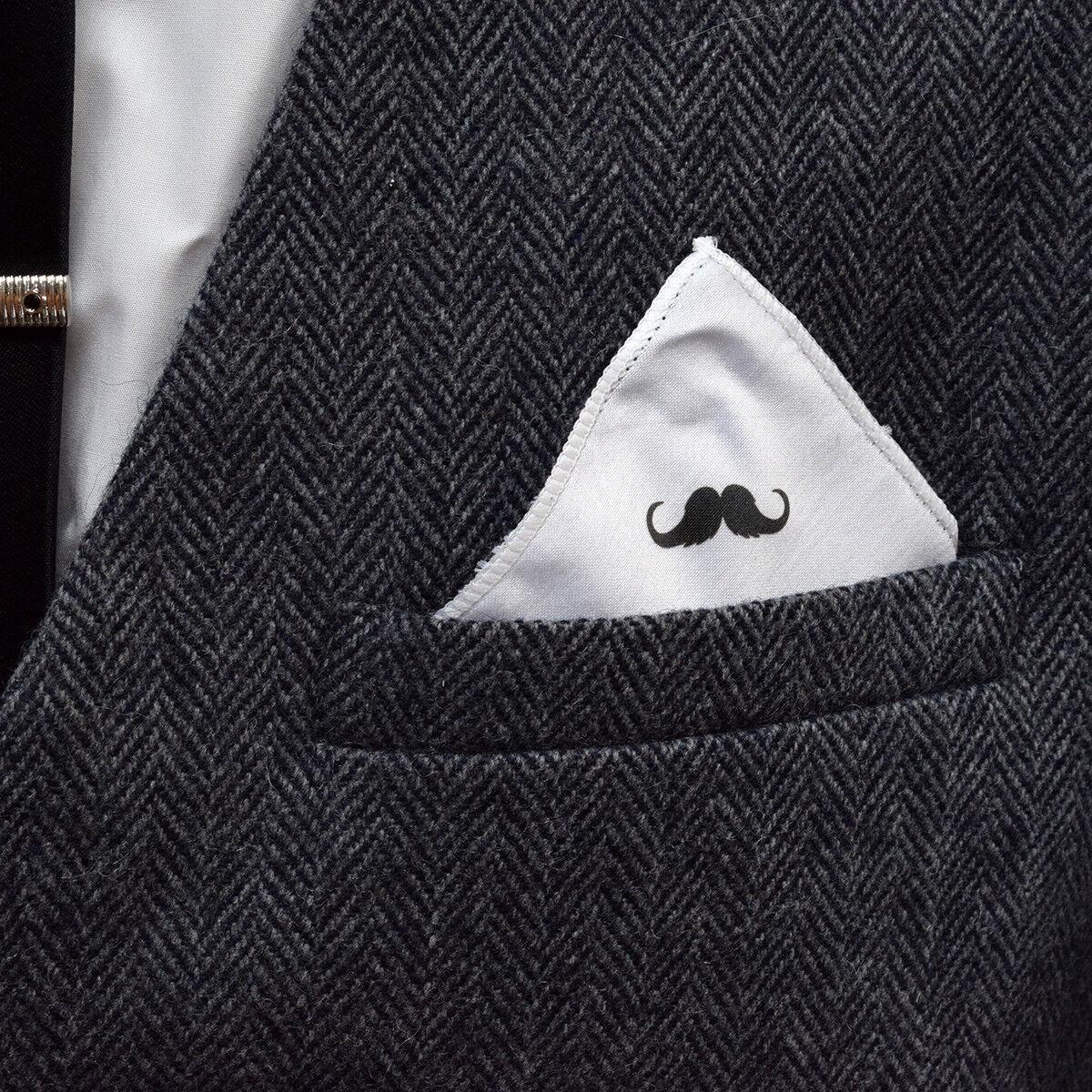 Diseño de bigote rizado con punta de bolsillo cuadrado blanco XPS006