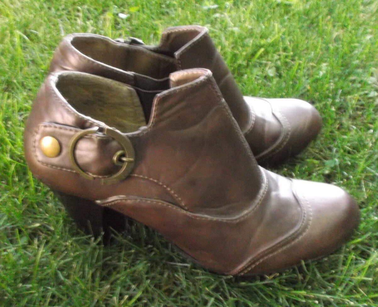 Nicole Women's Size 10 Ankle Boots Brown Boxcar All Vinyl Vegan Material shoes