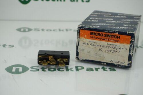 HONEYWELL BZ-2R-P1 15A 600V PIN PLUNGER SPDT BASIC SWITCH NSNB