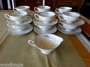 25p-Vintage-SYRACUSE-CHINA-CELESTE-COFFEE-CUPS-SAUCERS-CREAMER-MID-CENTURY