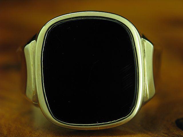 8kt 333 yellowgold Ring mit 5,30ct Onyx Besatz   Siegelring   6,3g   RG 60,5